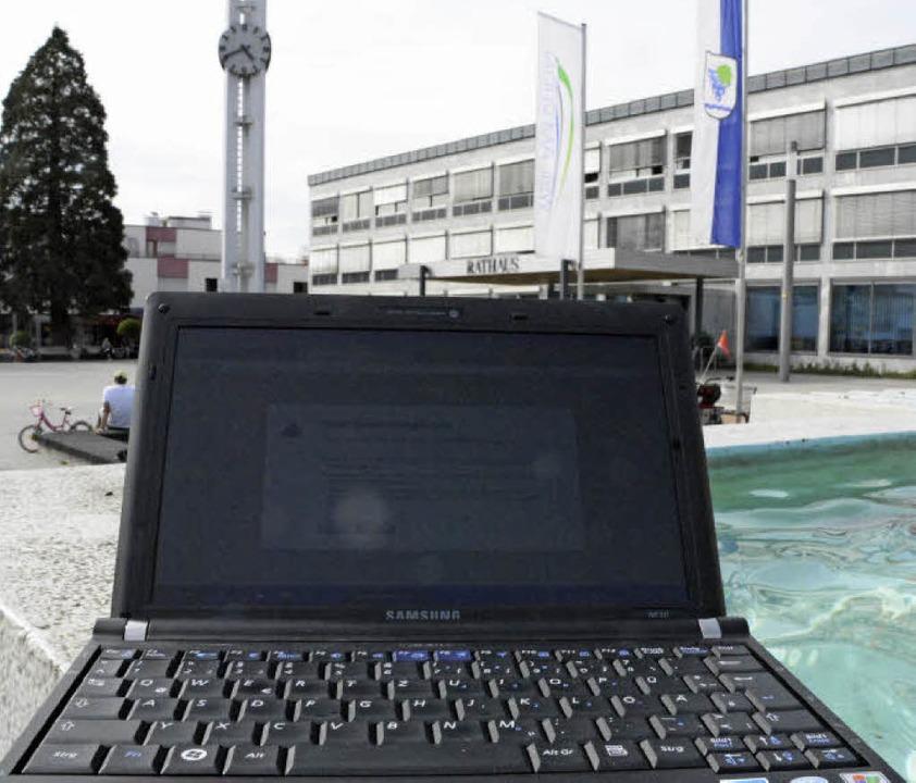 Freier Zugang zum Internet  ist derzei...wenigen Stellen in der Stadt möglich.   | Foto: Lauber