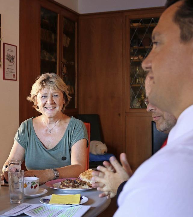 Monika Toussaint im Gespräch mit Johannes Fechner.  | Foto: Salome Berblinger