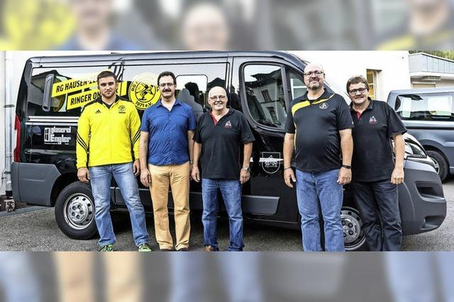 Neuer Bus rollt für junge Ringer