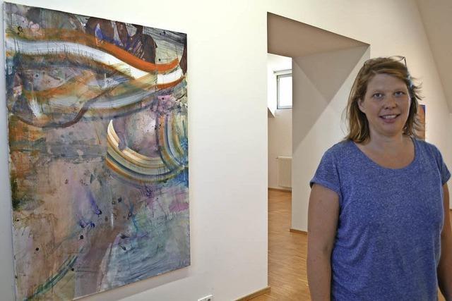 Junge Künstlerin im Offenburger Kunstverein