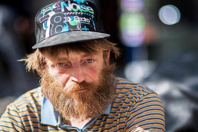 Proteststurm: Obdachloser muss Eisenbahn hergeben
