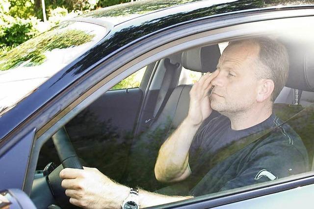 Eingenickt: Übermüdeter Autofahrer löst bei Lörrach Unfall aus
