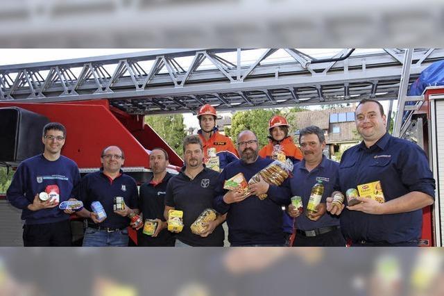 Feuerwehren sammeln haltbare Lebensmittel in Neustadt, Lenzkirch, Schluchsee, Bärental und Löffingen
