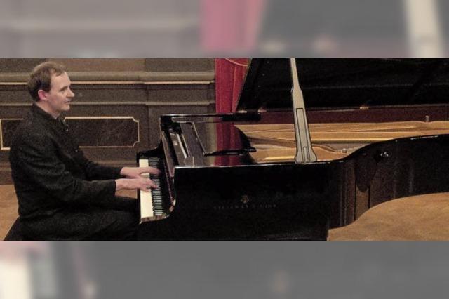 Mit Pianist Joseph Tong. Werke von Werke von Schumann, Sibelius und Liszt. In St. Blasien.