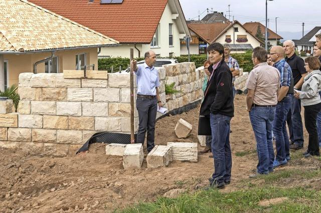 Bauherr muss Mauer zum Teil wieder abtragen