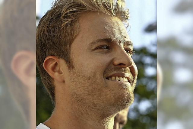 Rosberg kracht in die Mauer