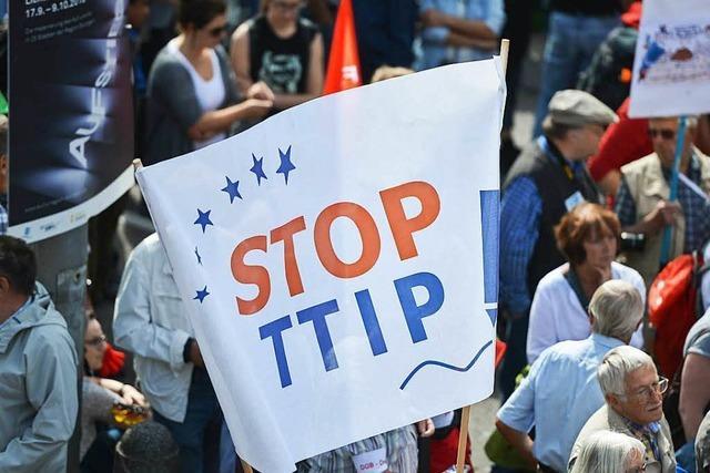 Zehntausende demonstrieren deutschlandweit gegen Freihandelsabkommen