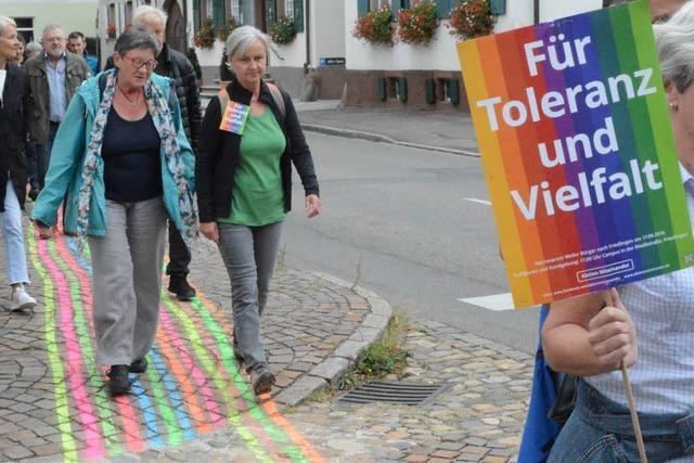 450 Teilnehmer bei Sternmarsch für ein buntes Weil am Rhein