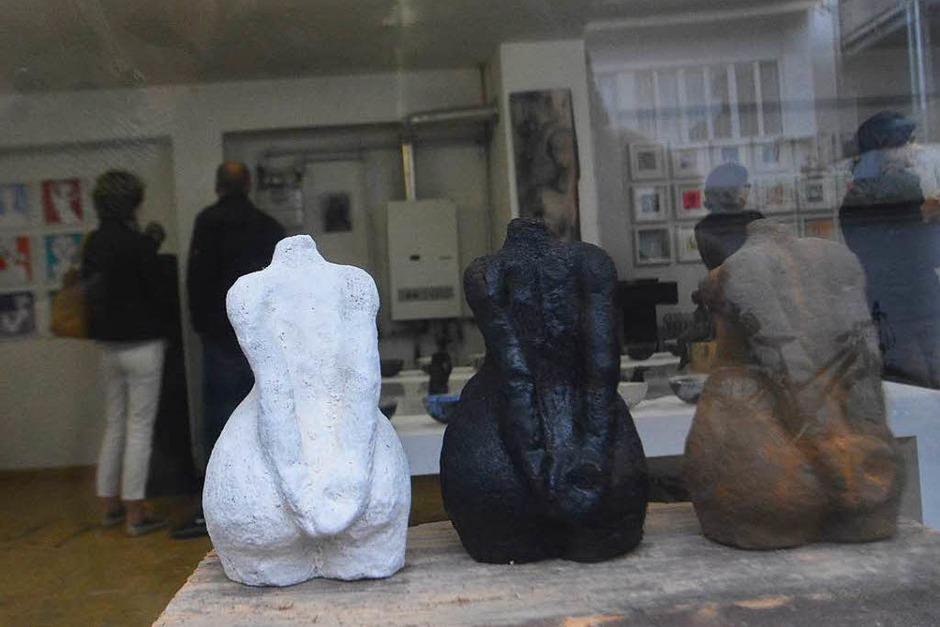 Ansicht mit Blick in Cerstin Thiemanns Atelier (Foto: Barbara Ruda)