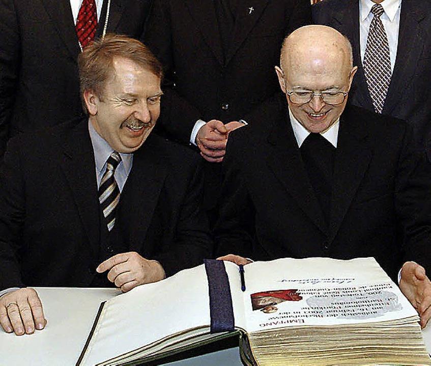 Im Februar 2003 hat sich der damalige ...r damalige Staatssekretär Helmut Rau.   | Foto: Archiv: B. Rein
