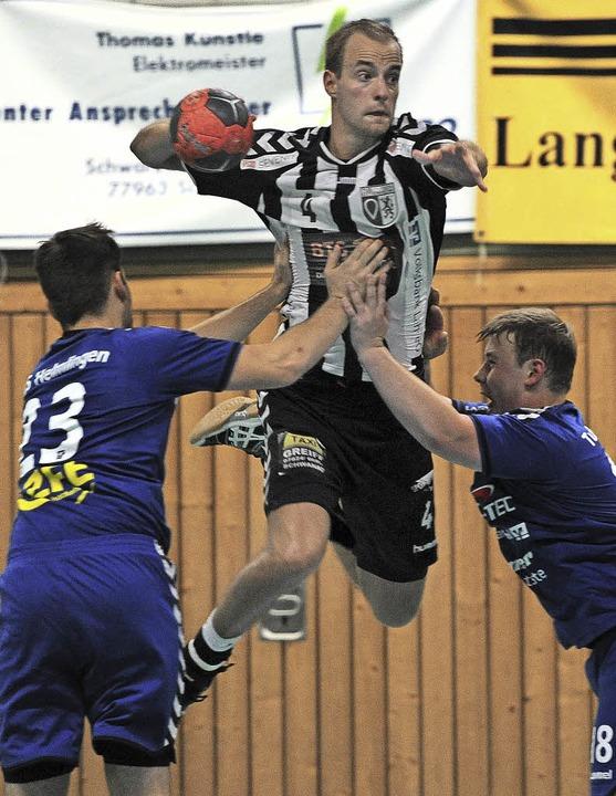 Maximilian Betzler hielt mit neun Tref...TuS Ottenheim reichte es indes nicht.   | Foto: Pressebüro Schaller