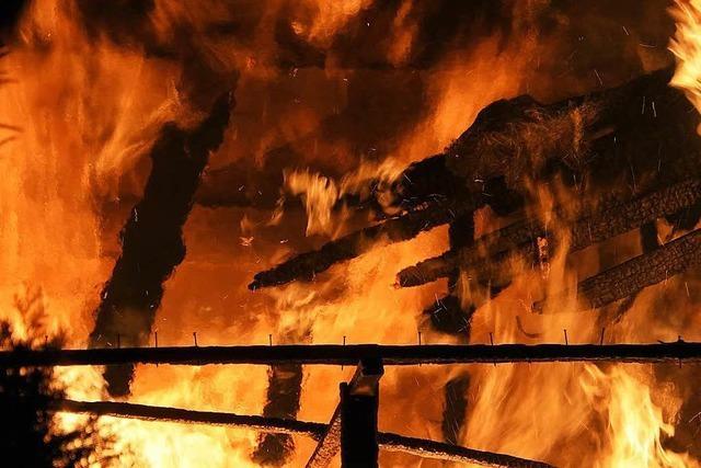 Toter nach Scheunenbrand in Neuried-Altenheim – Identität ist weiter unklar