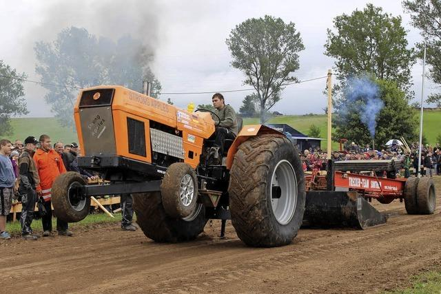 Viel Matsch und große Traktoren