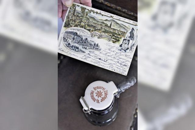 Sammler Jürgen Weckerle kann Stadtgeschichte mit Postkarten erzählen