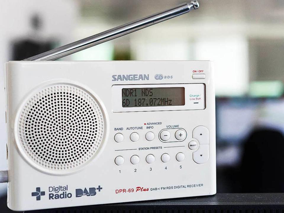 Die Zukunft? Ein digitaler Radioempfänger   | Foto: dpa