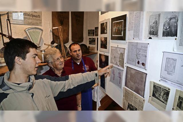 Herbsthock des Heimatvereins zeigt Ausstellung zur Grenzsteinerneuerung 1758