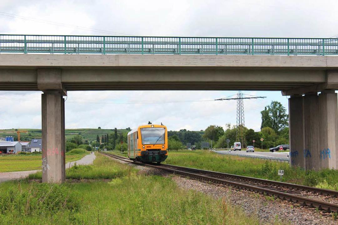 Wird elektrifiziert: die Kaiserstuhlba...ier zwischen Bötzingen und Gottenheim.  | Foto: Mario Schöneberg