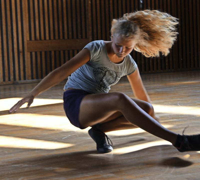 Beim Breakdance kommen Musik, Tanz und...ds, die gemeinsam batteln und tanzen.   | Foto: Anita Fertl