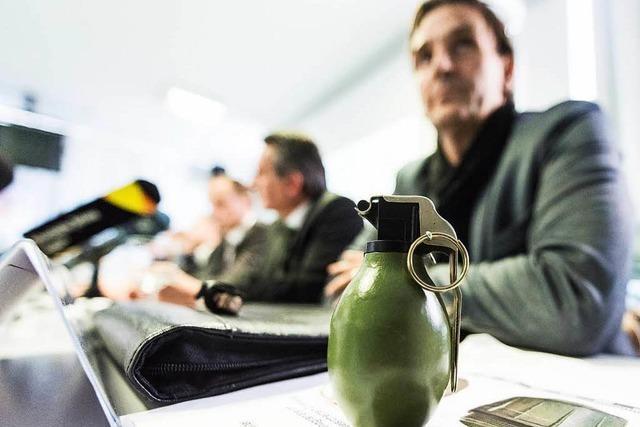 Prozessbeginn: Handgranatenwurf auf Flüchtlingsheim