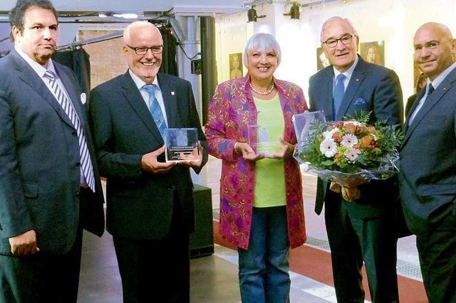 Bürgermeister Ernst Schilling wird für sein Engagement für Sinti und Roma geehrt
