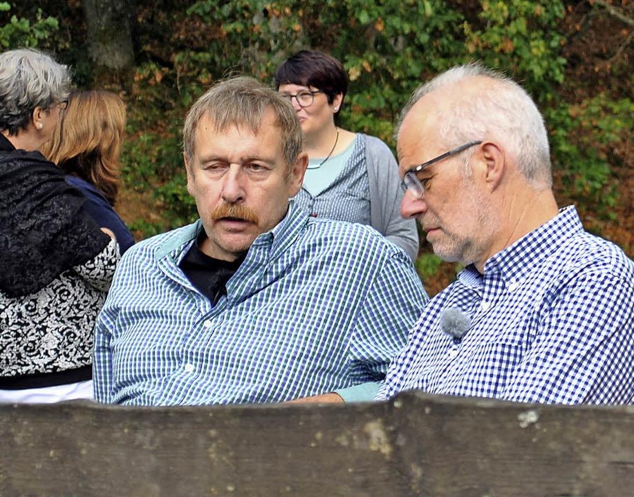 Arnulf Meffle (links) und Wolfgang Hep...d die Ehefrauen und eine Betreuerin.    | Foto: Stefan-Morsch-Stiftung