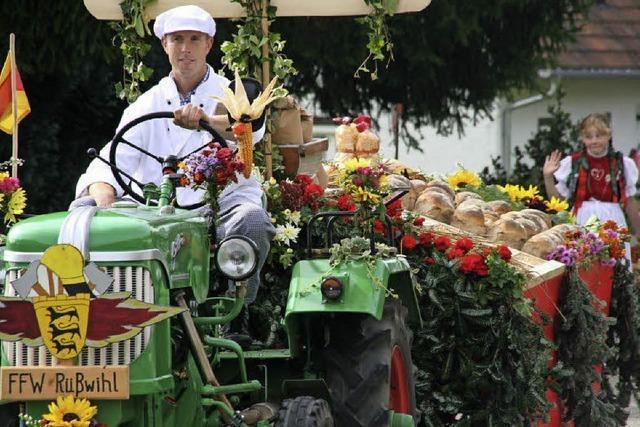 Erntedankfest mit Motivwagen in Görwihl