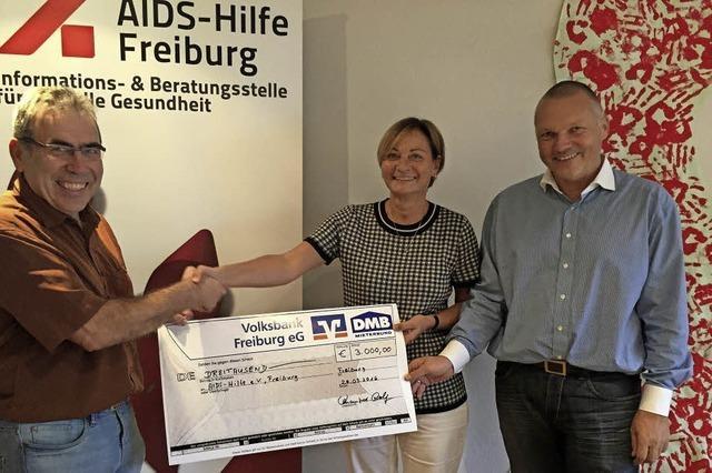 Spende für die Aids-Hilfe