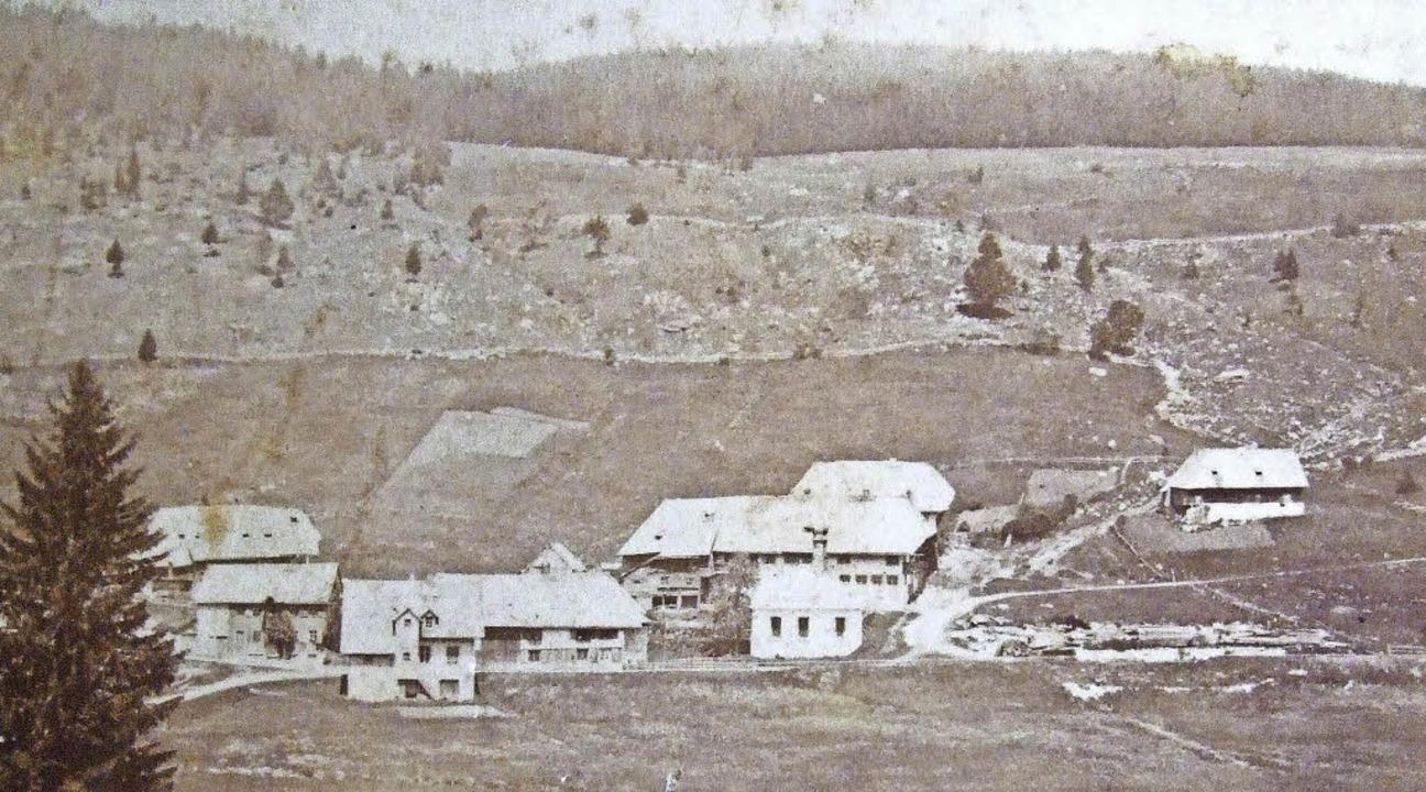 Aeule im Jahr 1894. Die Glashütte ist ...und  Reste der Brennöfen zu erkennen.   | Foto: Archiv Zapf