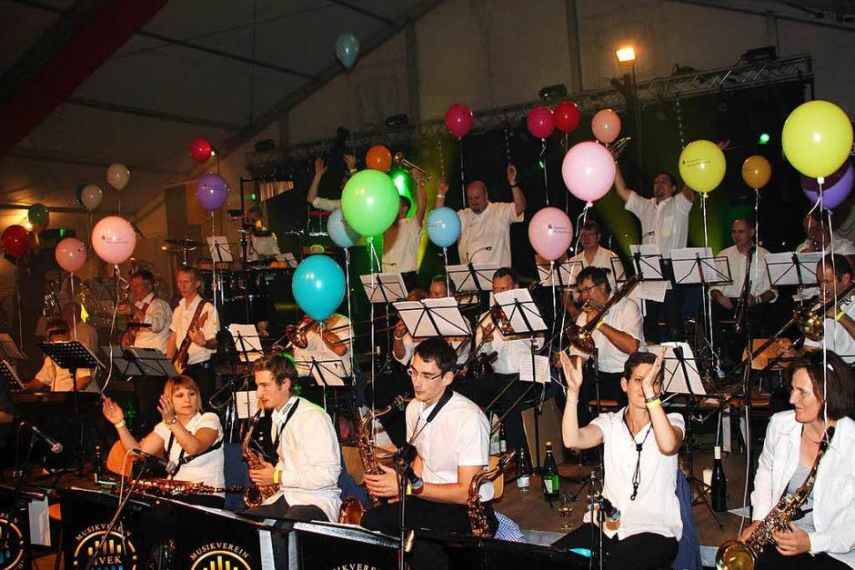 Der Musikverein Efringen-Kirchen sorgte am Winzerfestsamstag wieder für ein tolles Programm. (Foto: Reinhard Cremer)