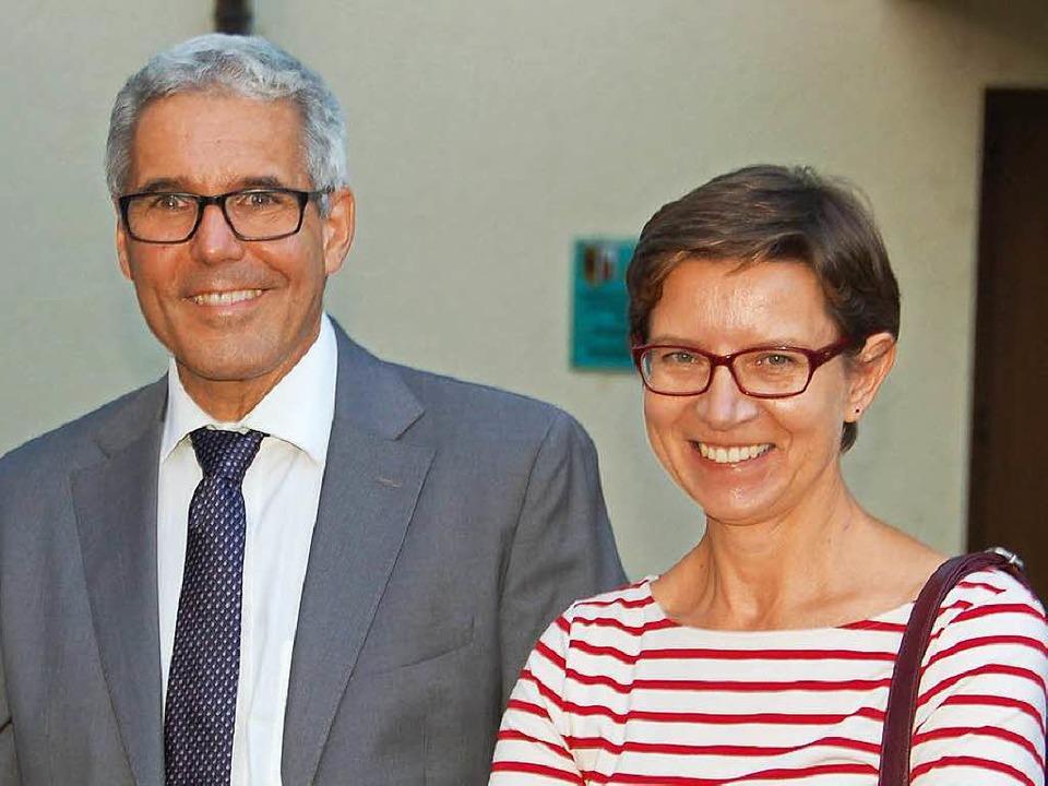 Der glückliche Amtsinhaber Markus Vollmer und Ehefrau Bernadette    Foto: hrö
