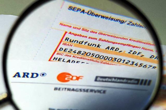 Wie können ARD und ZDF ihre Ausgaben senken?