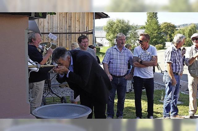 Der Dorfbrunnen plätschert nach 18 Jahren wieder