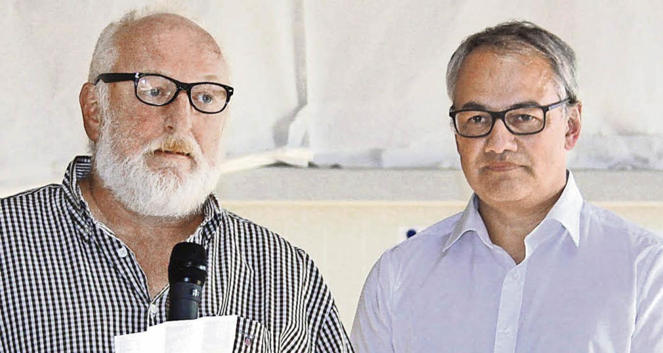 Peter Kunz, Geschäftsführender Gesells...anuel Lang weihen die neue Halle ein.   | Foto: Edgar Grundler
