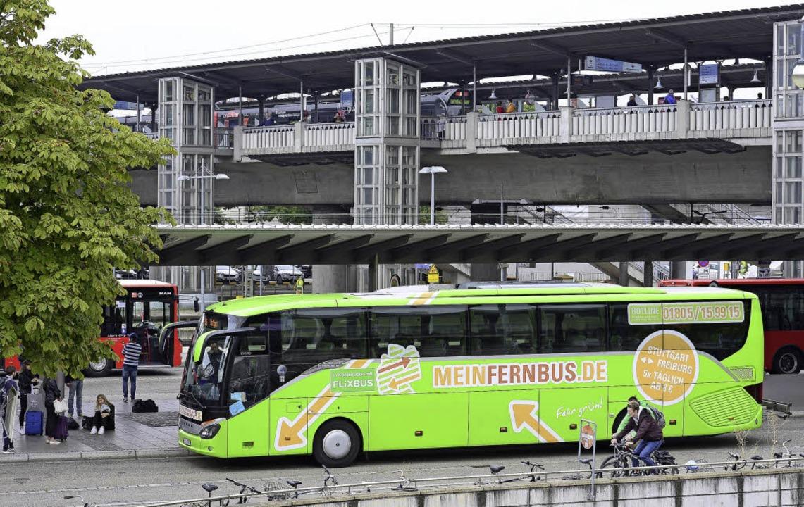Bis zu 85 An- und Abfahrten täglich: A... die IC-Bus- und die Dein-Bus-Linien.   | Foto: Ingo Schneider
