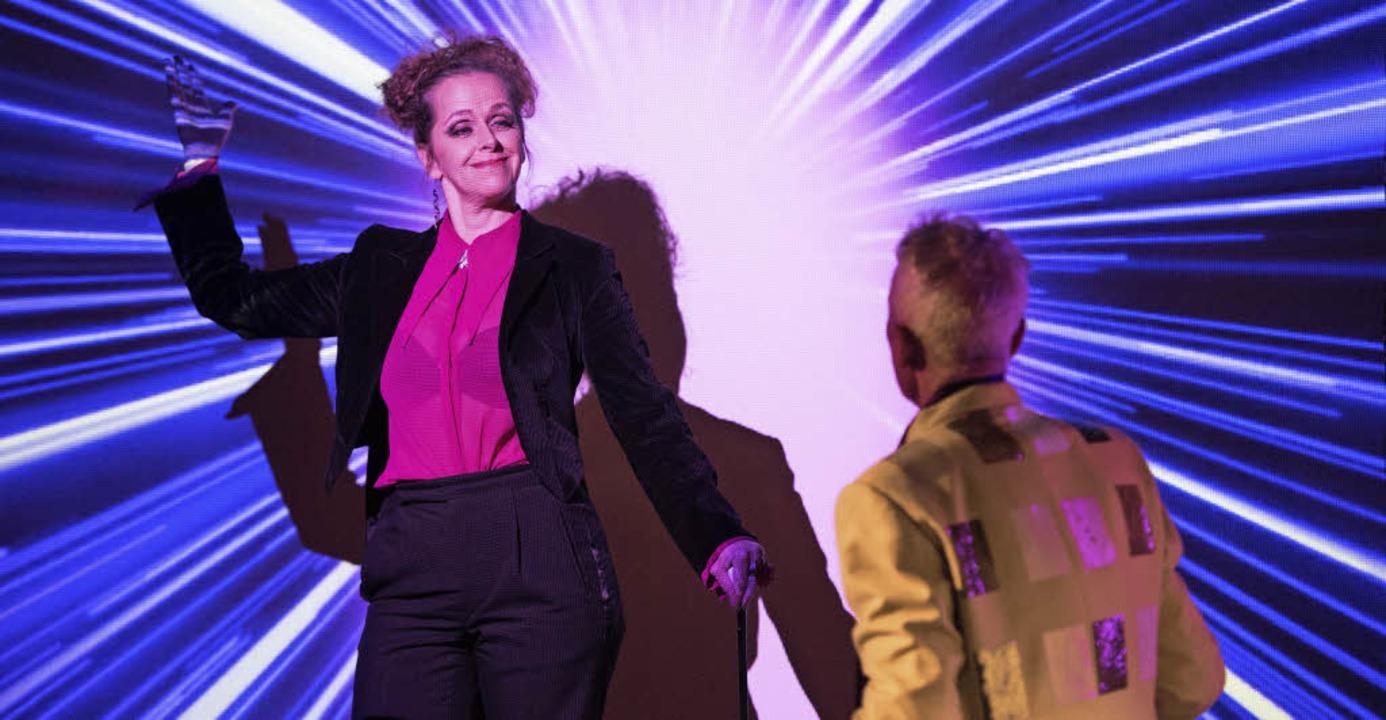 Funkelnde Revuesterne: Daisy (Nicole Haas) und Mustapha Bey (Leopold Kern)   | Foto: Brian Barnhart
