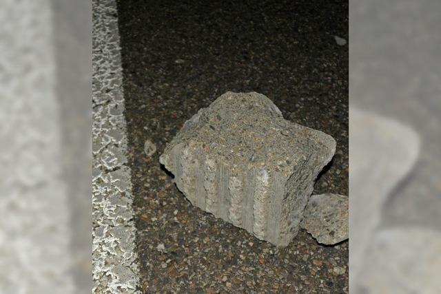 Wer warf den Stein auf die Autobahn?