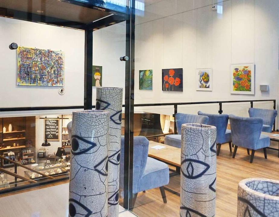 Galerie im Eingangsbereich von Hieber.  | Foto: Hieber
