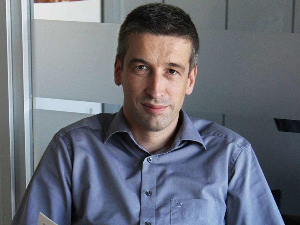 Norbert Schoeffel arbeitet in der Geschäftsleitung des Unternehmens.  | Foto: Hieber