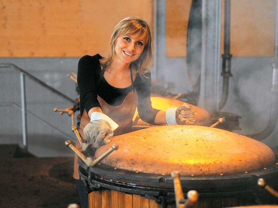 Antonella Nonino leitet die Grappa-Tastings der Weinmesse.  | Foto: Hieber