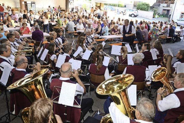 Zwiebelkuchenfest der Vereinsgemeinschaft lockte viele Gäste an