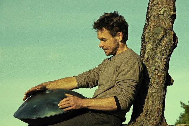 Tilo Wachter präsentiert Innenwelten - Solo für Hang und Stimme
