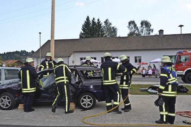 Rettung aus Unfallfahrzeug geprobt
