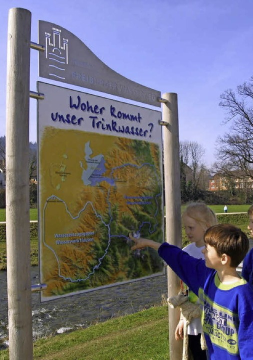 So sahen die Infotafeln des Wasserwegs einst aus.    Foto: Rita Weber-Eggstein