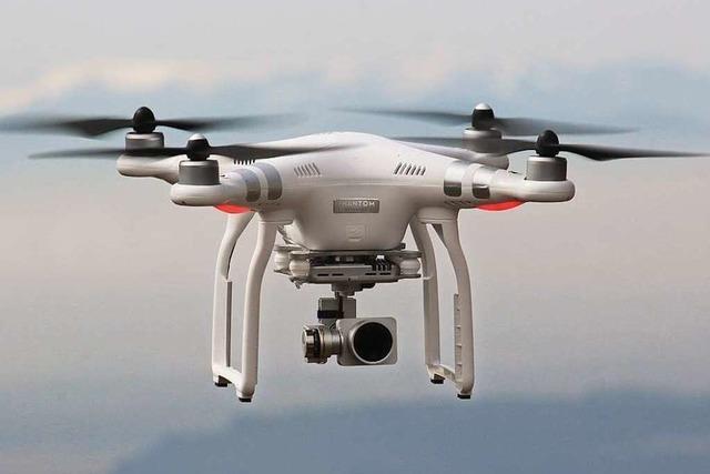 Ultraleichtflieger stößt fast mit Drohne zusammen