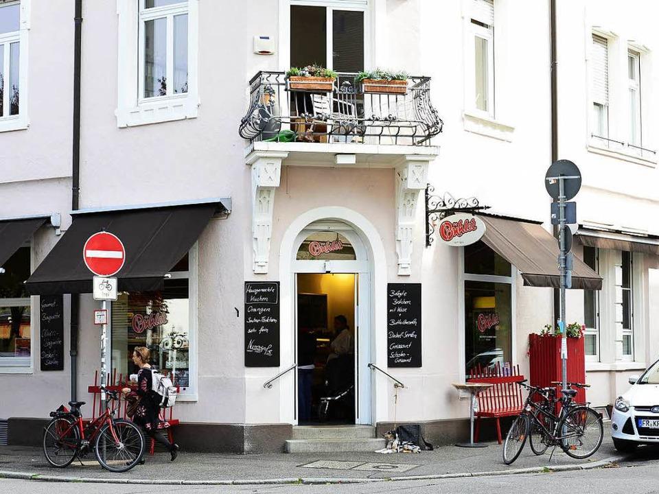 Lange Schlangen bei Bäcker Bühler am Samstagvormittag? Damit ist jetzt Schluss.  | Foto: Ingo Schneider