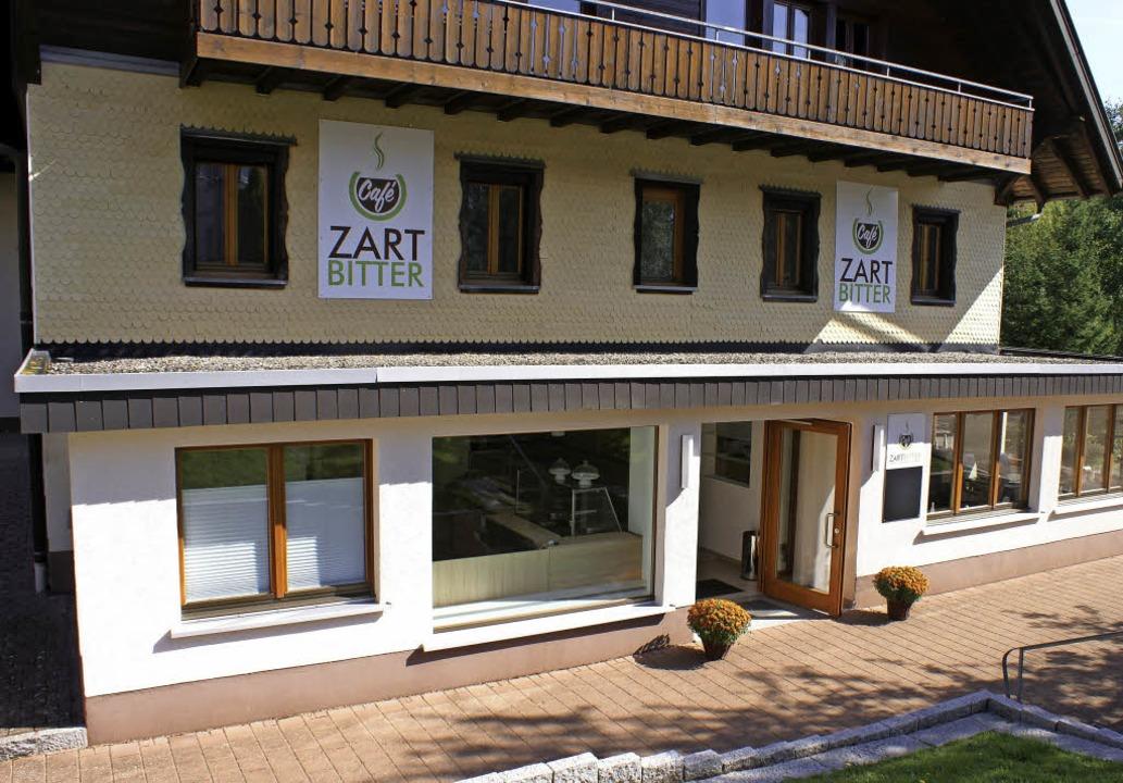 In der ehemaligen Bäckerei Zartbitter ...t die Caritas ihr gleichnamiges Café.   | Foto: Werner Probst