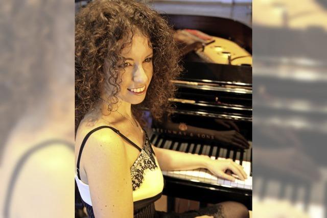 Musik aus Frankreich mit der Pianistin Anna Victoria Tyshayeva in der Waldorfschule