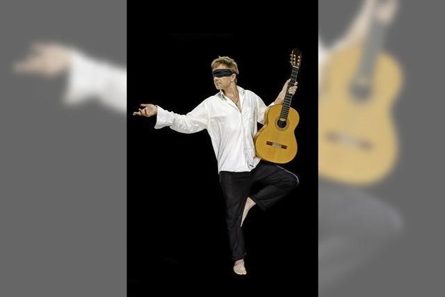 Konzertgitarrist Achim Langenkaemper musiziert für die Blindenhilfe
