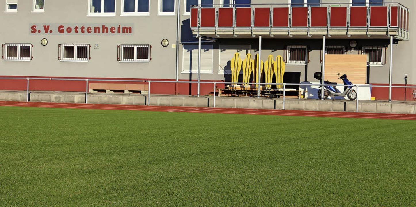 Der sanierte Rasenplatz wird Sonntag eröffnet und kann fortan genutzt werden.   | Foto: Mario Schöneberg