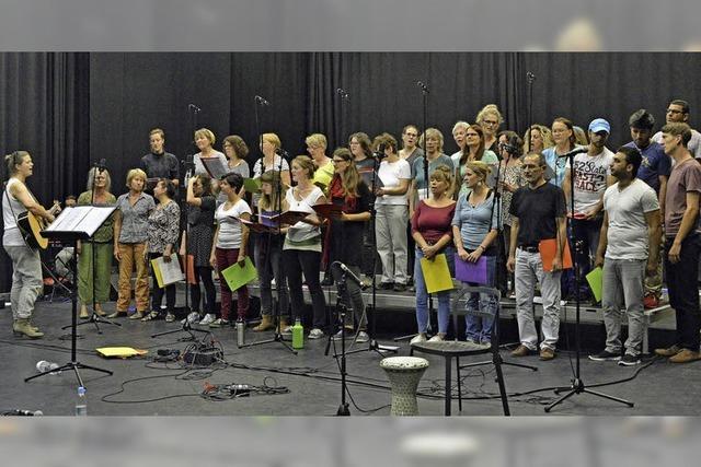 Ein Chor von Neu- und Altfreiburgern: Erster Auftritt von